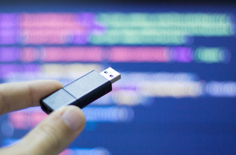 معيار USB4 الجديد يظهر مع نهاية 2020.. تعرف على مواصفاته